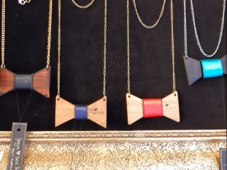 Drvene mašna ogrlice